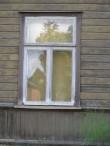 Koidula tn 20 põhikorruse aken hoovifassaadil. Foto: Aigar Needo, 23.07.2010.