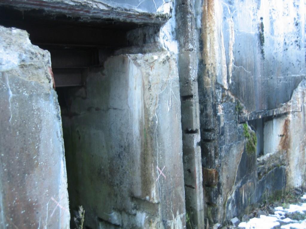 Kagupoolne ukseava. Foto Silja Konsa 05.01.2012