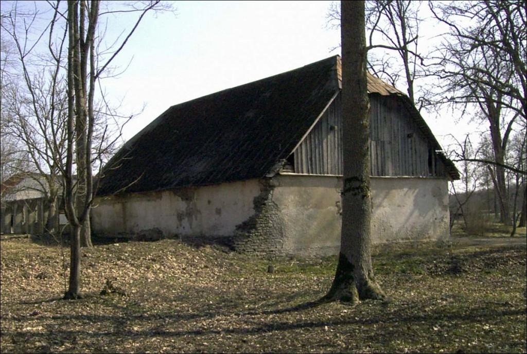 Suuremõisa mõisa tõllakuur  Autor D. Lukas  Kuupäev  30.11.2004
