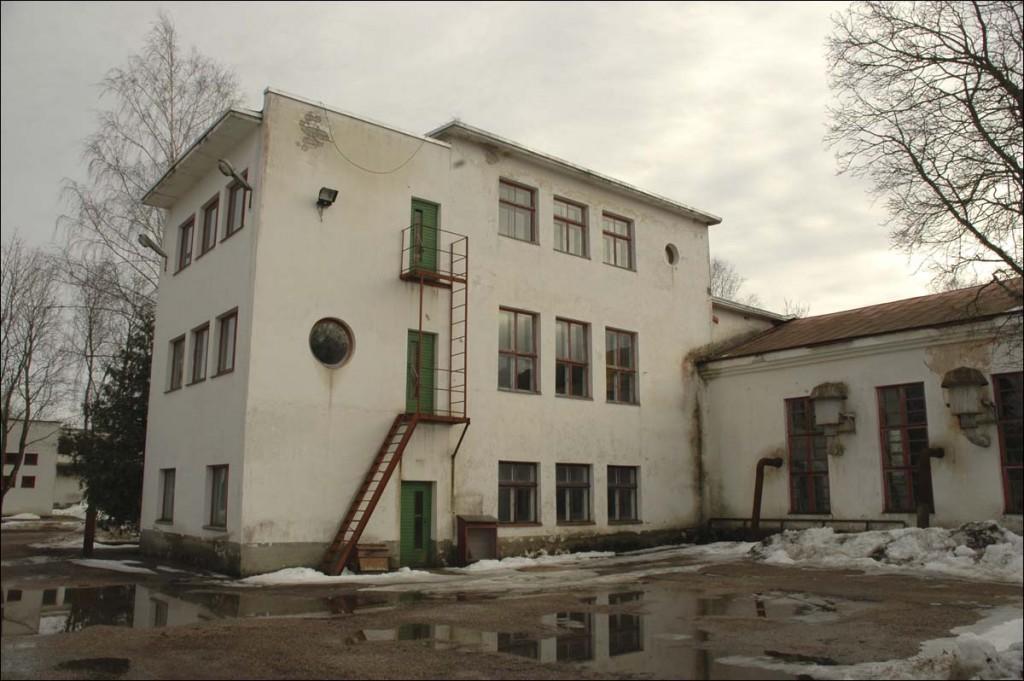 Kärdla elektrijaama peahoone  Autor M. Mõniste  Kuupäev  11.03.2007