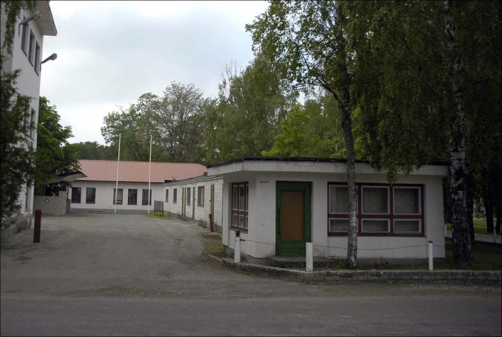 Kärdla elektrijaama väravahoone  Autor M. Mõniste  Kuupäev  27.06.2006