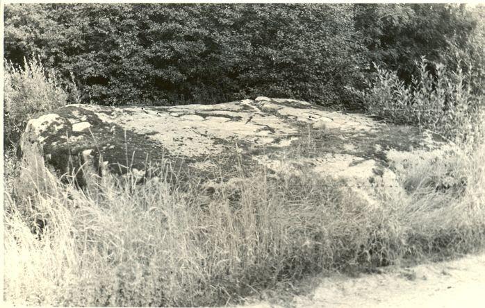 Ohvrikivi Kolme kuninga kivi. Foto: H. Joonuks, 1977.