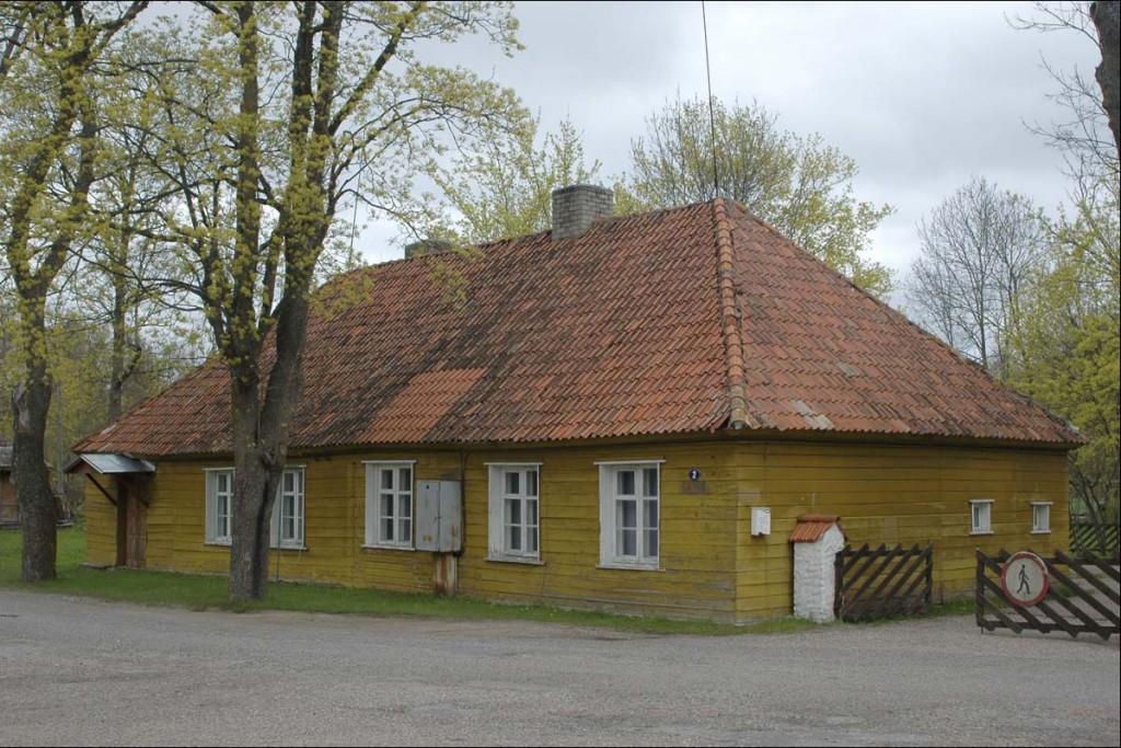 Elamu Vabrikuväljak 2  Autor M. Mõniste  Kuupäev  13.05.2007