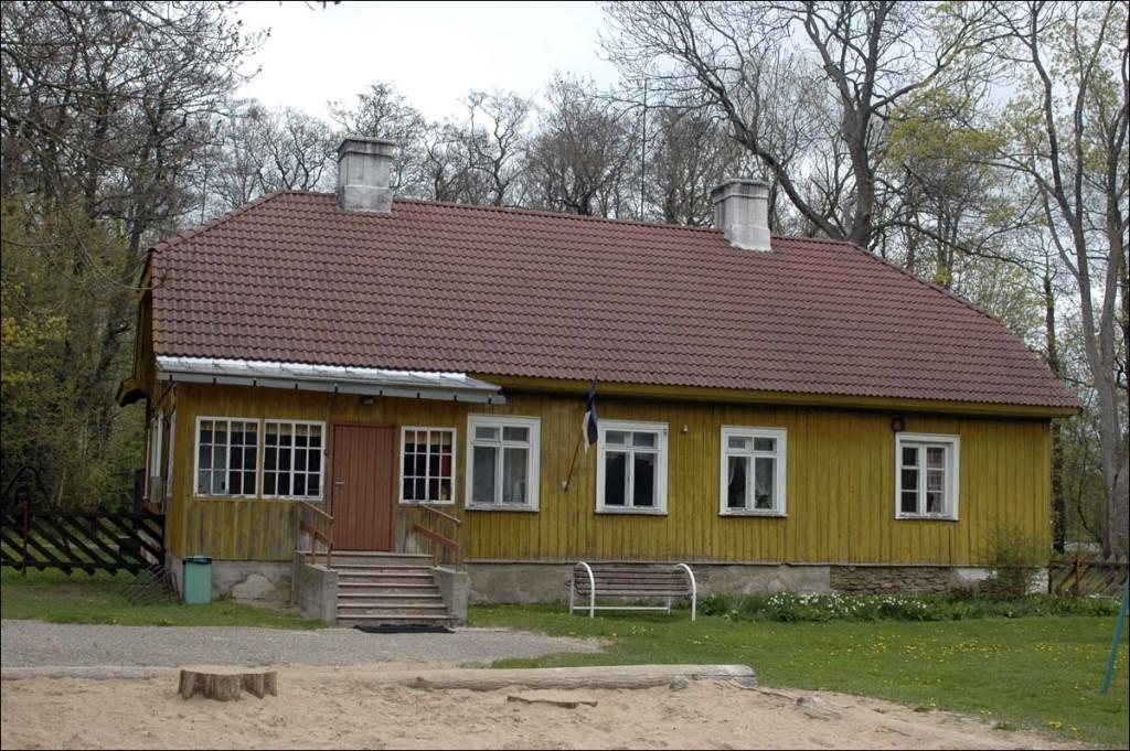 Elamu Vabrikuväljak 2a  Autor M. Mõniste  Kuupäev  13.05.2007