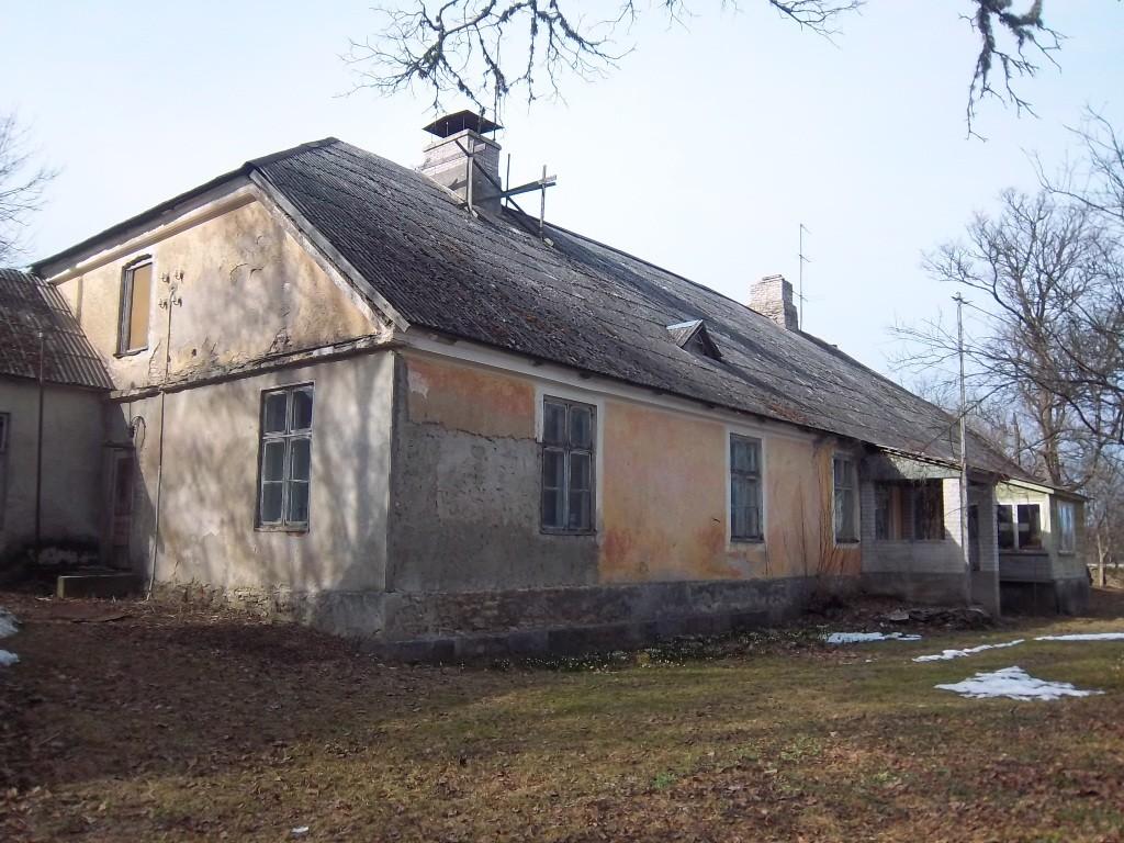 Juuru pastoraadi peahoone tagakülg. K. Klandorf 28.03.2012