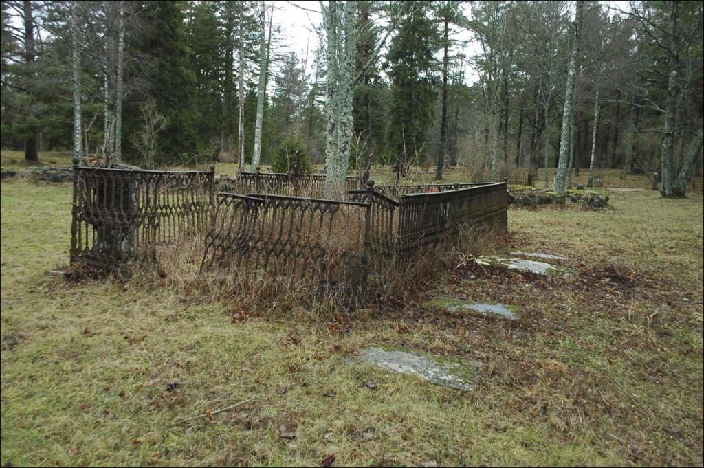 Kõpu kalmistu (Ojaküla)  Autor M. Mõniste  Kuupäev  18.01.2007