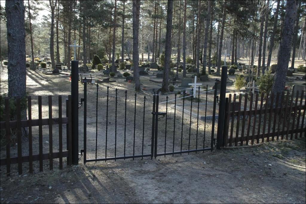Palade kalmistu  Autor M. Mõniste  Kuupäev  01.04.2007