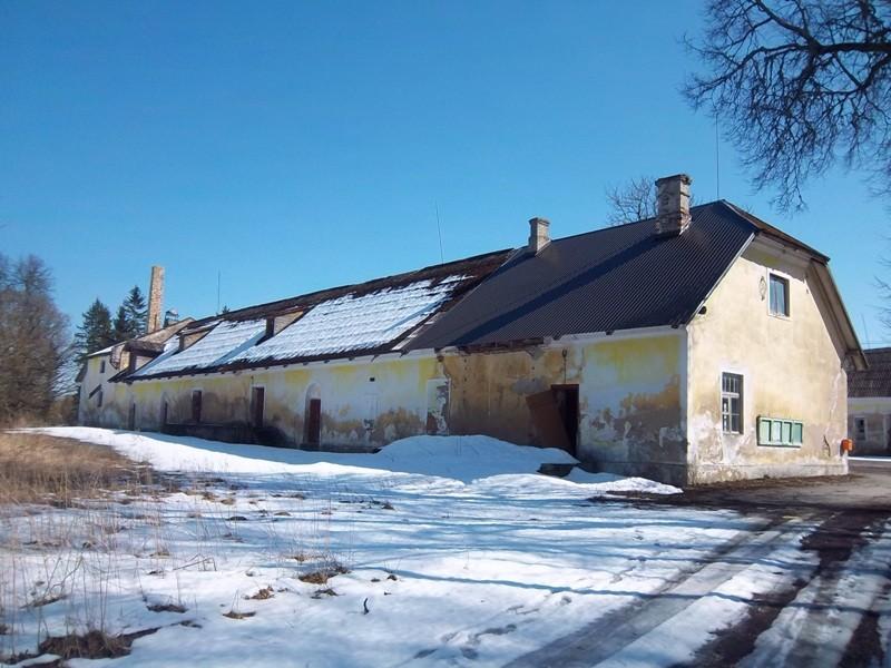 Purila mõisa ait-kuivati vaade mõisa peahoone poolt (loodest). K. Klandorf 12.04.2012