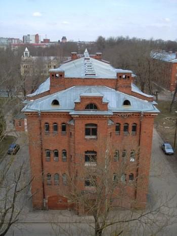 Kreenholmi elukasarm Haigla tn. 6. Foto: Madis Tuuder 23.04.2012