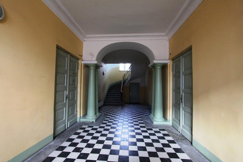 Pikk 45 vestibüül. Foto H.Kuningas 2011