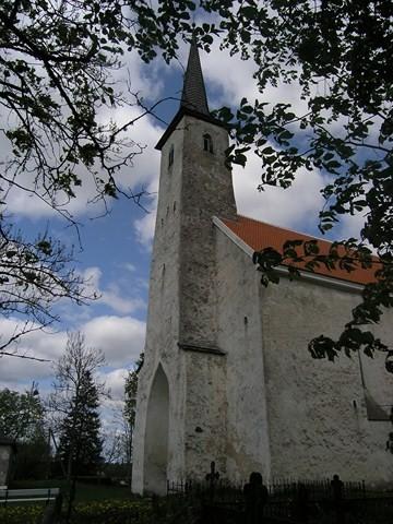 Järva-Madise kiriku läänetorn. Foto: Kais Matteus 19.05.2008