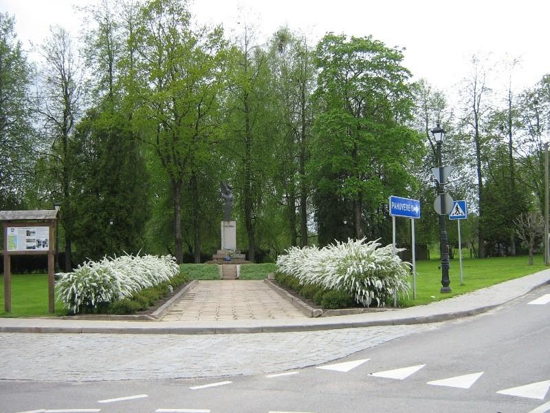 Vaade mälestussamba platsile, foto 18.05.2012 Anne Kivi