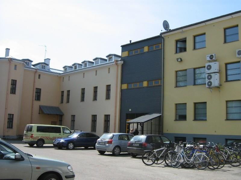 Elamu Viljandis Tallinna 16, vaade hoovilt Foto 22.05.2012 Anne Kivi