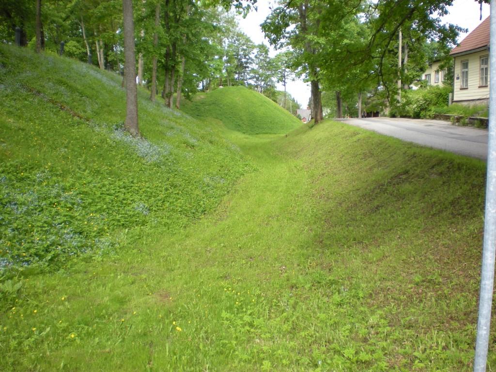 Paide linnuse bastionid ja vallikraavid Tiit Schvede 31.05.2012