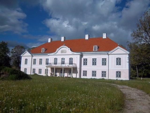 Päärdu mõisa peahoone fassaad. K. Klandorf 05.06.2012