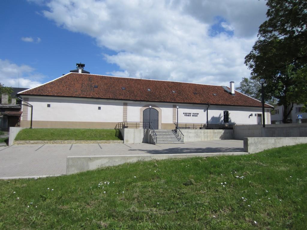 15725 Rakvere mõisa tall, vaade Kreutzwakdi tn -lt,läänest , Anne Kaldam. 06.06.2012