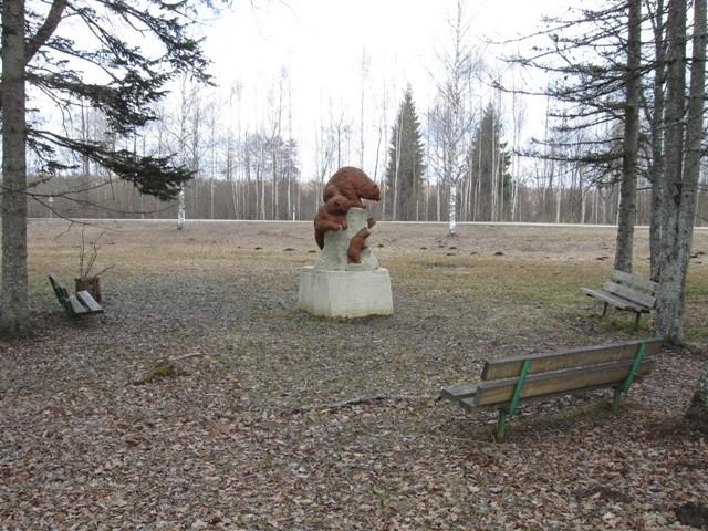 Skulptuurigrupp «Karud». Foto Tõnis Taavet, 18.04.2012.
