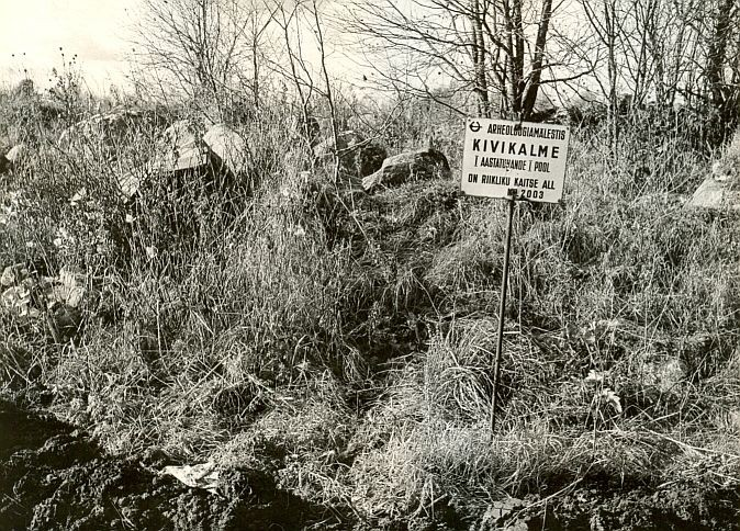 Kivikalme - idast, E. Väljal, 24.okt.1985