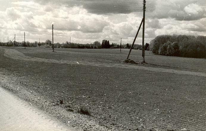 Asulakoht - idast, E. Väljal, 11.mai 1989