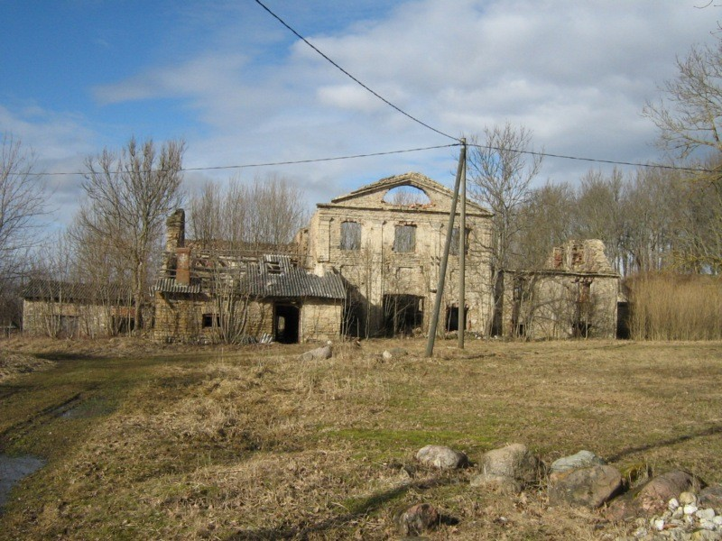 Lihula viinavabrik tee poolt, Kalli Pets,  30.03.2012 046