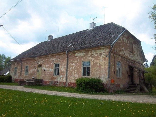 Vaade Kuusiku mõisa valitsejamaja esiküljele. K. Klandorf 21.05.2012