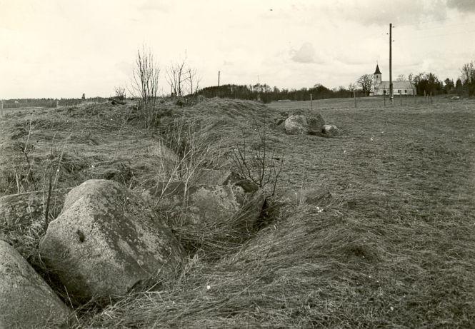 Kivikalme, A. Sillasoo, kevad 1976