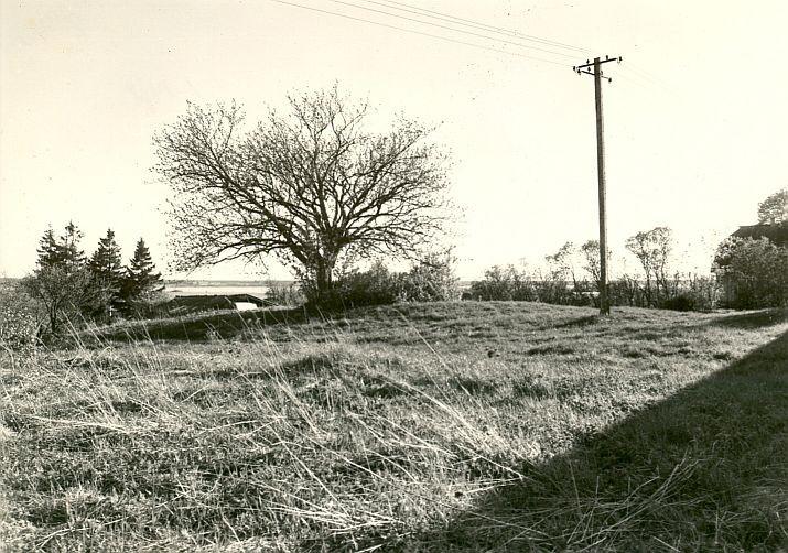 Kivikalme - põhjast, R. Kärner, 4.mai 1990
