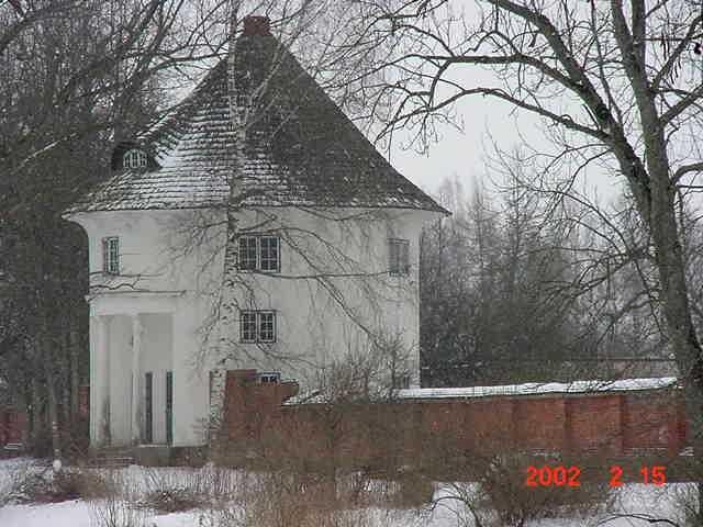Vana-Antsla mõisa kärnerimaja, 19 saj. Foto 15.02.2002.