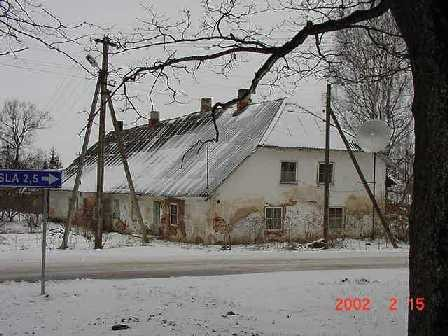Vana-Antsla mõisa moonakatemaja 1., 19 saj. Foto Jaan Vali. 15.02.2002.