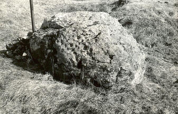 Kultusekivi, E. Väljal, 11.apr.1986