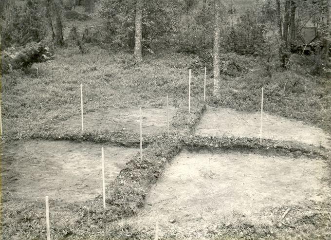 Kääbas, lõunapoolne läbilõige - idast. Foto: M. Aun, 1974.