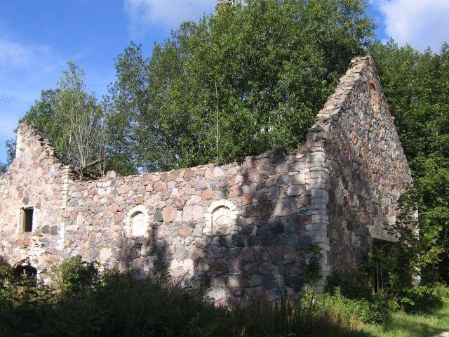 Aavere mõisa viinavabriku varemed : 16076 vaade lõunast  Autor Anne Kaldam  Kuupäev  31.08.2007
