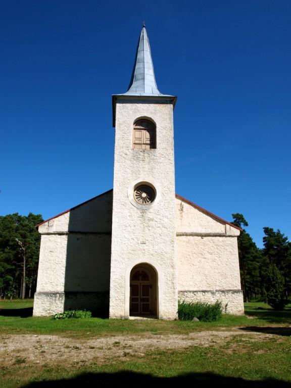 Emmaste kirik, vaade läänest Autor Maarika Leis-Aste Kuupäev 18.07.2012