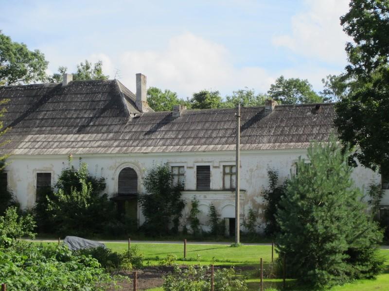 5659 Hulja mõisa peahoone ,vaade loodepoolsele fassaadile, näha keskmine osa,  Anne Kaldam 14.08.2012d