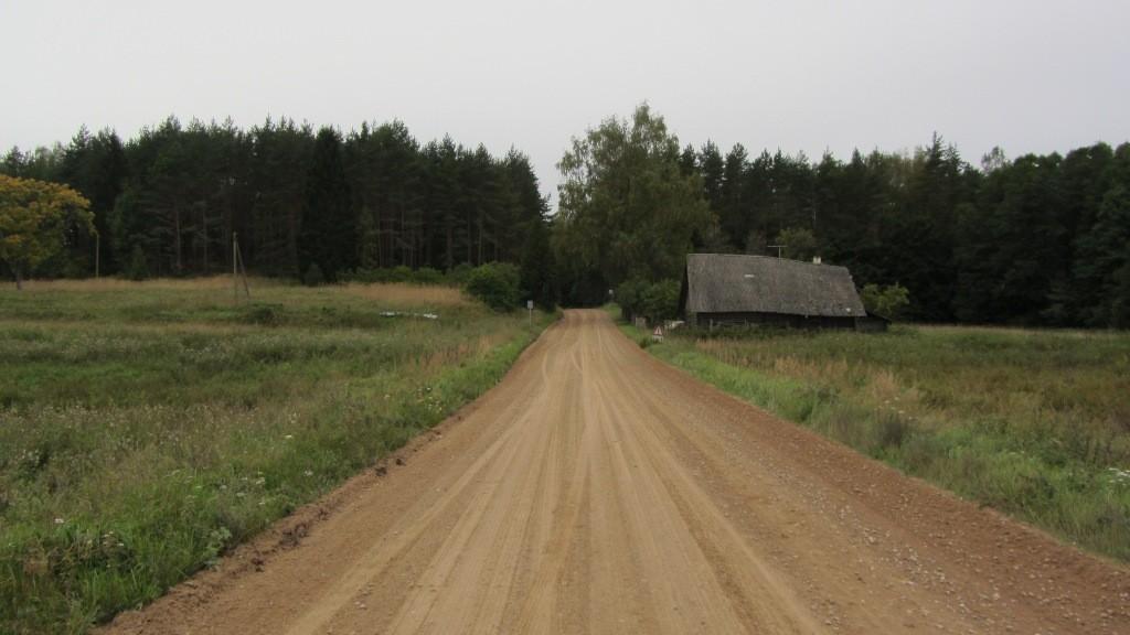 Vaade Järvpera asulakohale idast. Foto: Karin Vimberg, 13.09.2012.
