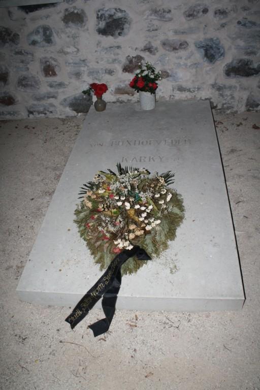Foto Jämaja kalmistul oleva kabeli sisemusest. Foto: Tõnu Veldre (18.09.2012). Registrisse lisanud R. Peirumaa