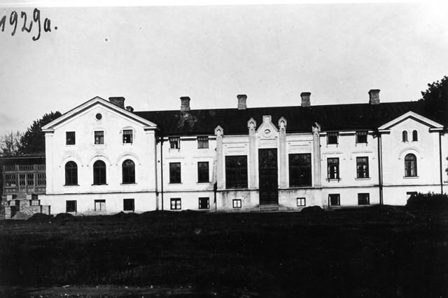 Arkna mõisa peahoone eestvaade. Foto aastast 1929.