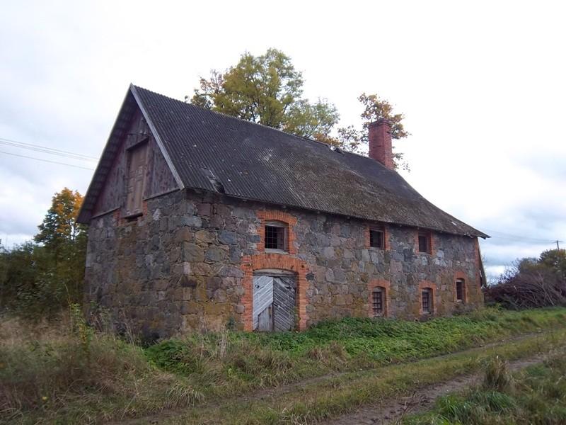 Hõreda mõisa teise kuivati vaade loodest. K. Klandorf 04.10.2012