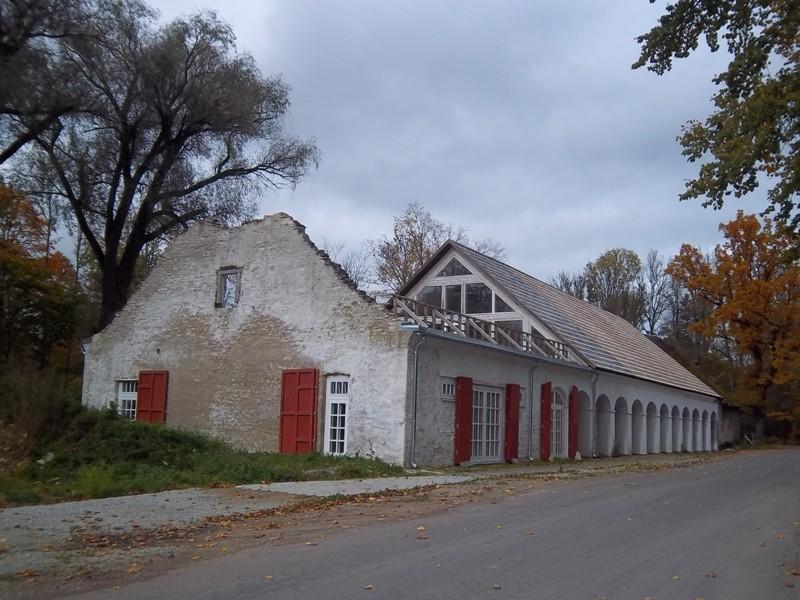 Ingliste mõisa ait-kuivati, vaade lõunasuunast. K. Klandorf 04.10.2012