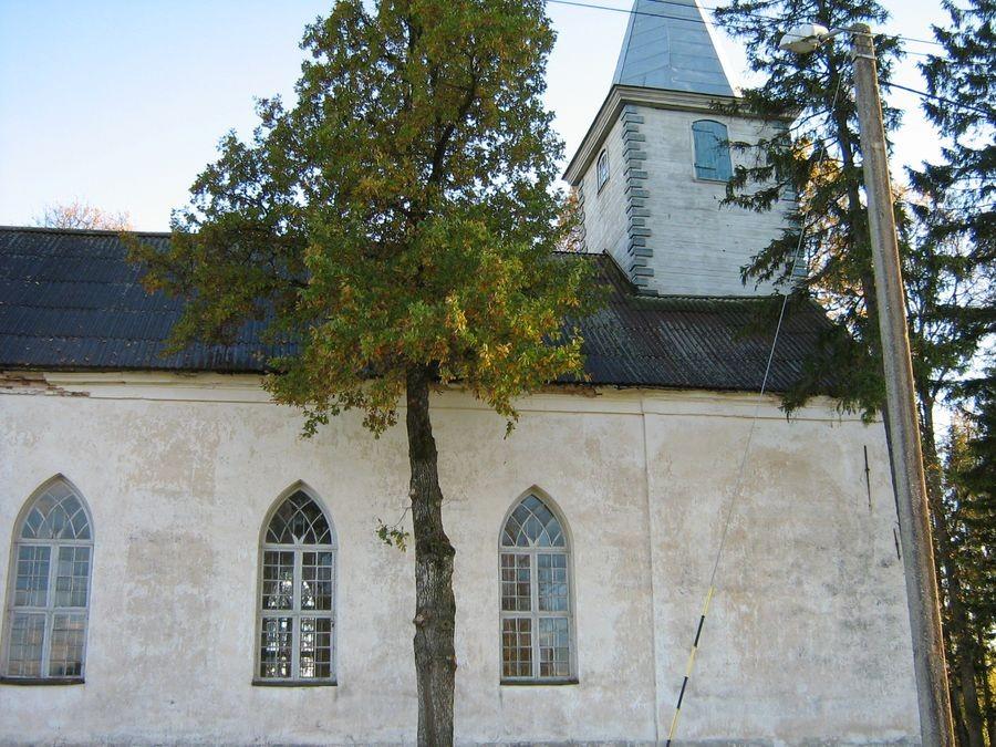 Laatre kirik Autor M-L Paris 2012