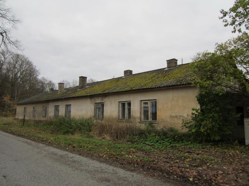 15644 Aaspere mõisa aednikumaja, vaade läänest, näha põhjapoole fassaad, Anne Kaldam 23.10.2012