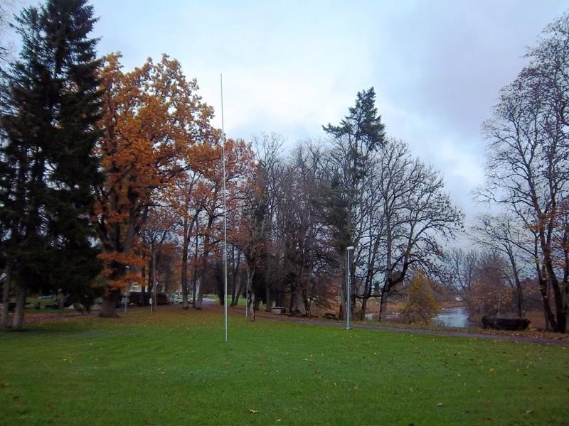 Teenuse mõisa park, vaade mõisa esiväljakule. K. Klandorf 25.10.2012
