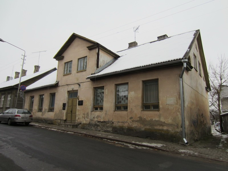 Rakvere elementaarkooli hoone, reg. nr 5776. Vaade Pikalt tänavalt. Foto: Anne Kaldam, kuupäev 31.10.2012