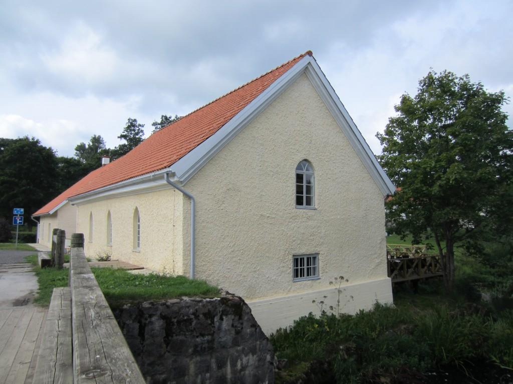 15968 Vihula mõisa vesiveski , restaureeritud veski , koos veskitammiga.17.08.2011. Anne Kaldam