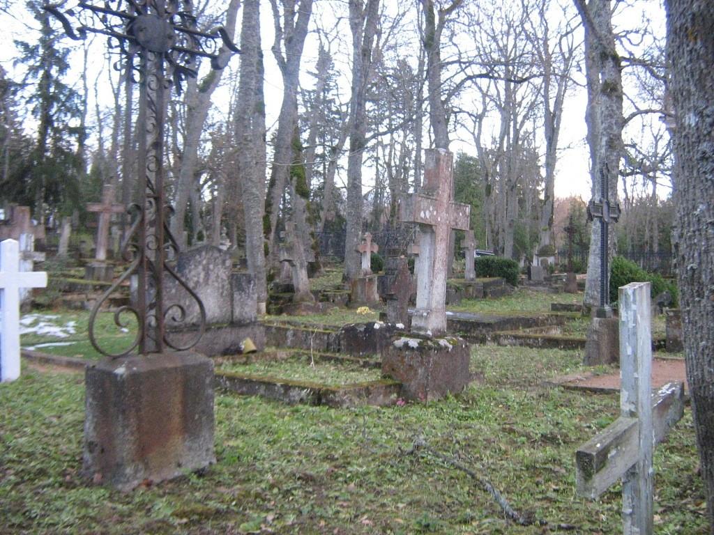 Kudjape kalmistu vana osa. Foto: Rita Peirumaa, 31.10.2012