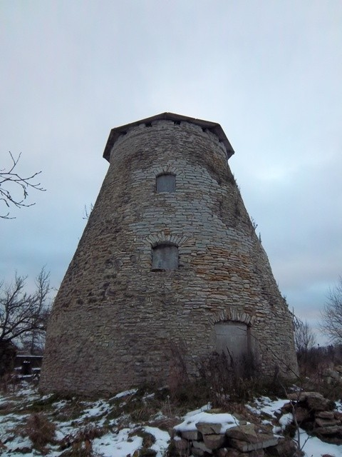 Vaimõisa mõisa tuuleveski vaade edelast. K. Klandorf 1.11.2012