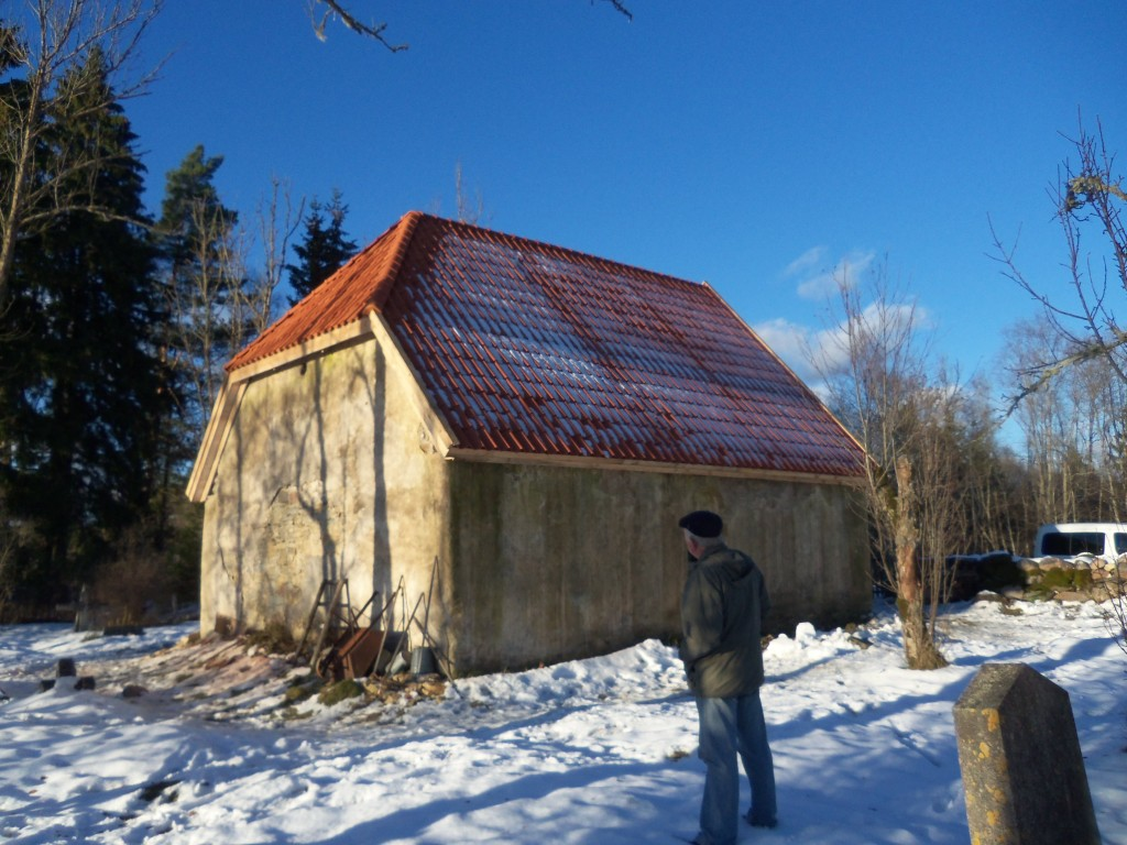 Kabel uuendatud katusega (valmis 2012 okt.). Foto Silja Konsa, 31.10.2012.