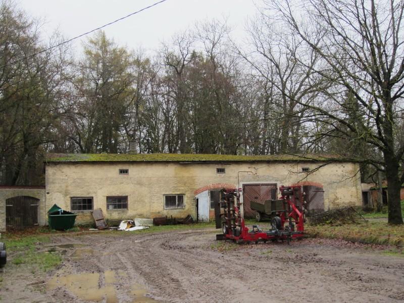 15753 Arkna mõisa puutöökoda, vaade siseõuest läänest. Anne Kaldam 06.11.2012
