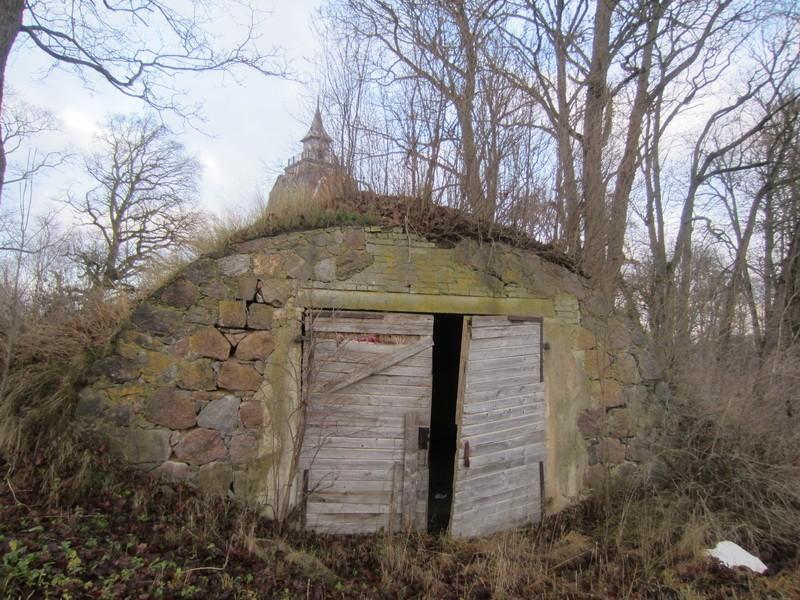 15673 Neeruti mõisa kelder, vaade lõunast. 27.11.2012 Anne Kaldam