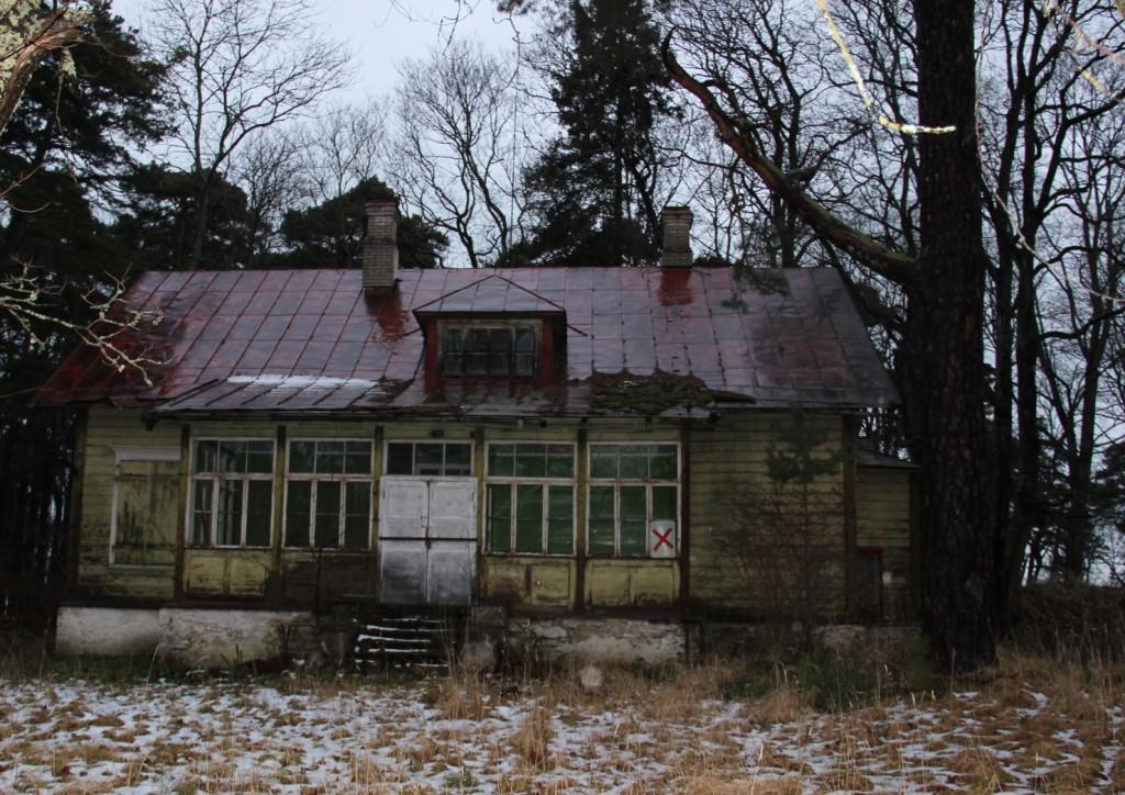 "Suvemaja ""Daheim"". Vaade lõunast, jaanuar 2012."